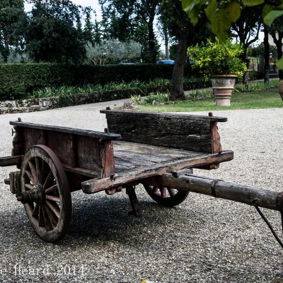 Il Corno, Within the Front Gates